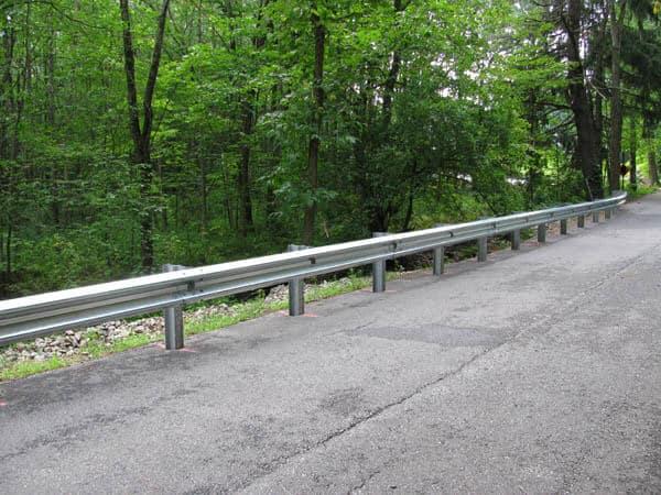 "Sicurezza stradale: nuove barriere ""salvamotociclisti"""